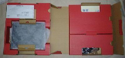 PC-MM70Gの箱を開けたところ.